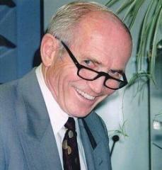Donald Eugene Strandness, Jr, MD